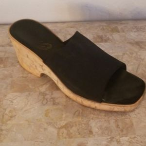 Onex Black Wedges